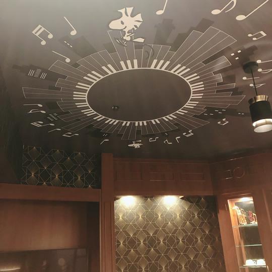 ピーナッツ・ジャズ・ルームの天井